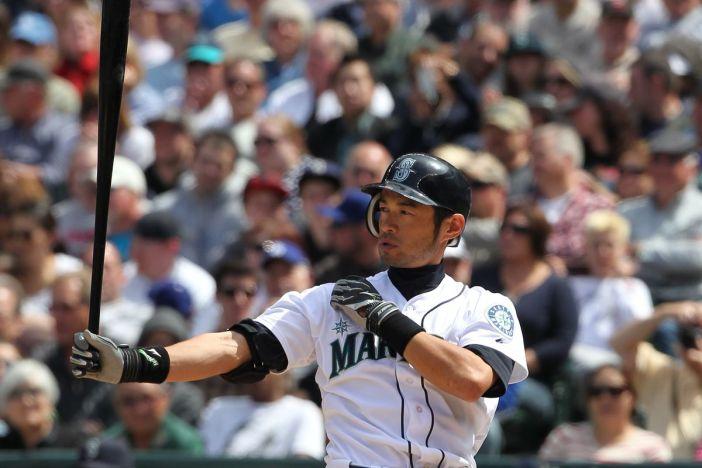 Trade Retrospective: Mariners trade Ichiro Suzuki to the Yankees ...