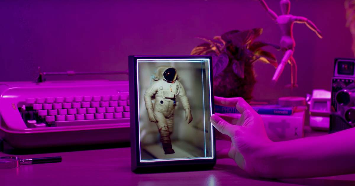 The Looking Glass Portrait is a cheaper holographic window to your smartphone photos and more