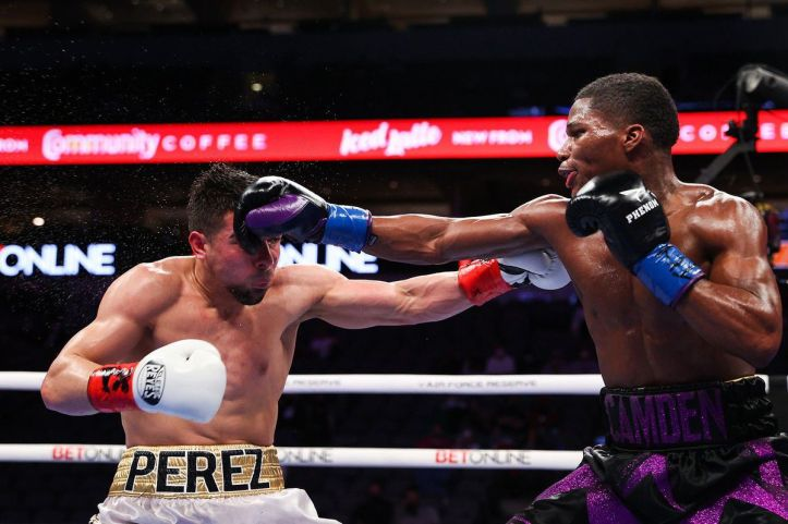 Raymond Ford was lucky to escape with a draw against Aaron Perez | Buatsi vs Bolotniks