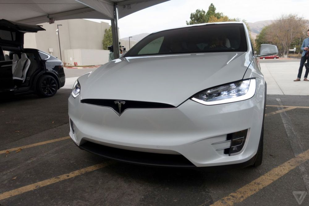 medium resolution of the national transportation safety board is investigating a fatal crash involving a tesla model x that occurred last friday morning in mountain view