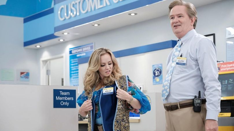 Superstore 403 - Kelly and Glenn