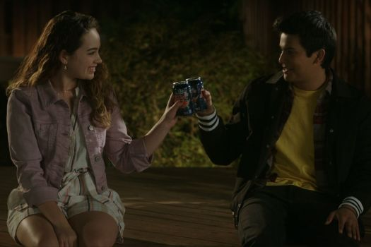MARY MOUSER as SAMANTHA LARUSSO and XOLO MARIDUENA as MIGUEL DIAZ cheers beers, baby!
