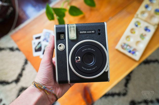 bfarsace_20210405_4506_0003.0 Fujifilm's new Instax Mini 40 is a $100 vintage-looking toy | The Verge