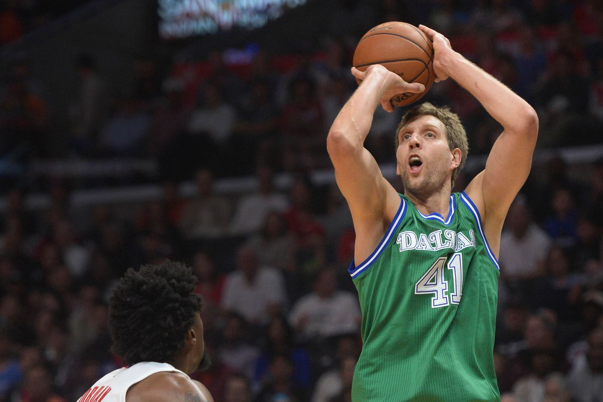Dirk Nowitzki Agrees To 2 Year 50 Million Deal To Stay
