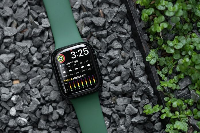 The screen is 20 percent larger on the Apple Watch Series 7