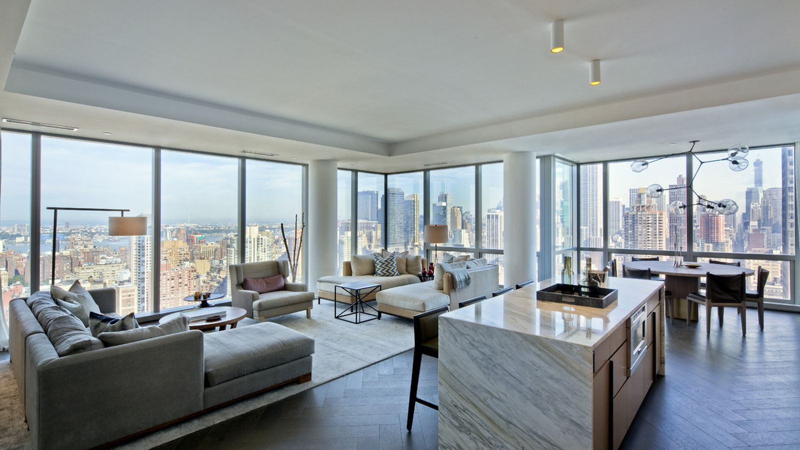 Tom Bradys NYC apartments are highend paparazziproof