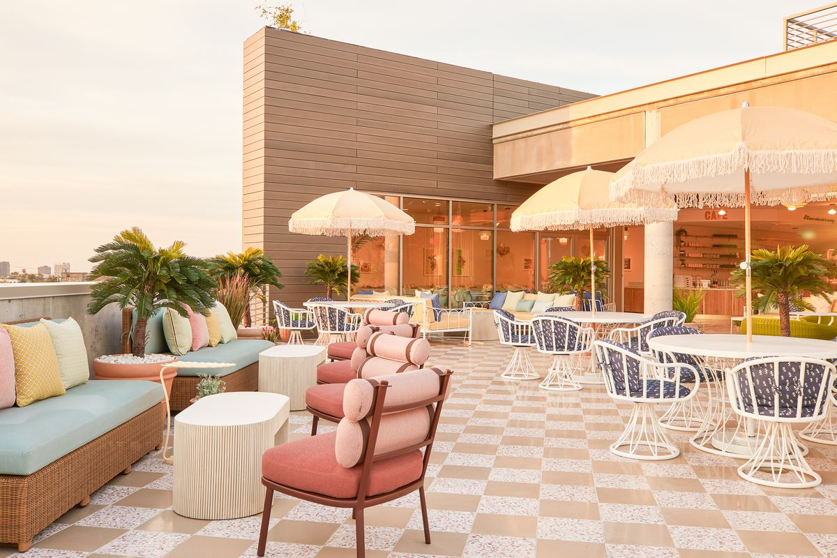 The Wing: Women-focused coworking space now open in West Hollywood - Curbed LA