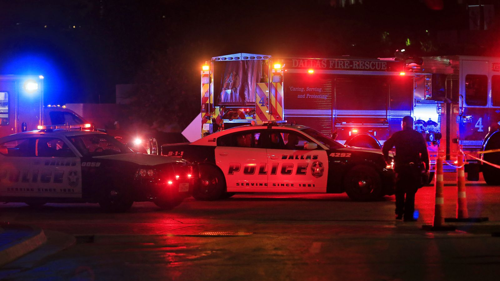 Dallas shooting kills multiple police officers: what we