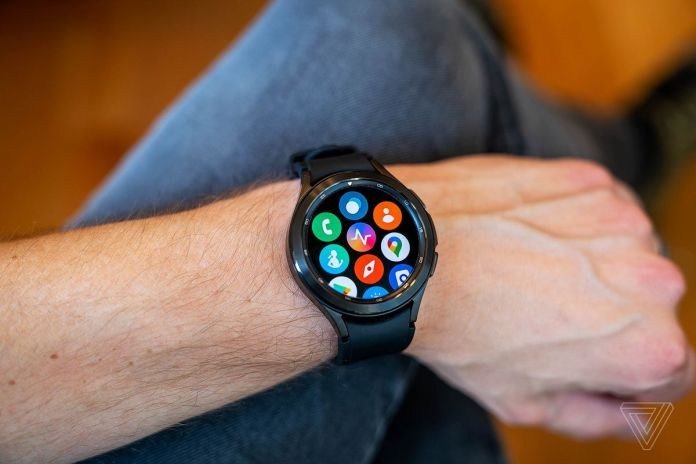 Most of the pre-installed apps on the Galaxy Watch 4 come from Samsung.