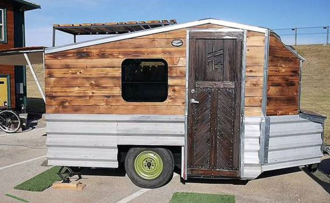 Tiny House Built On Old Boat Trailer Can Expand Curbed
