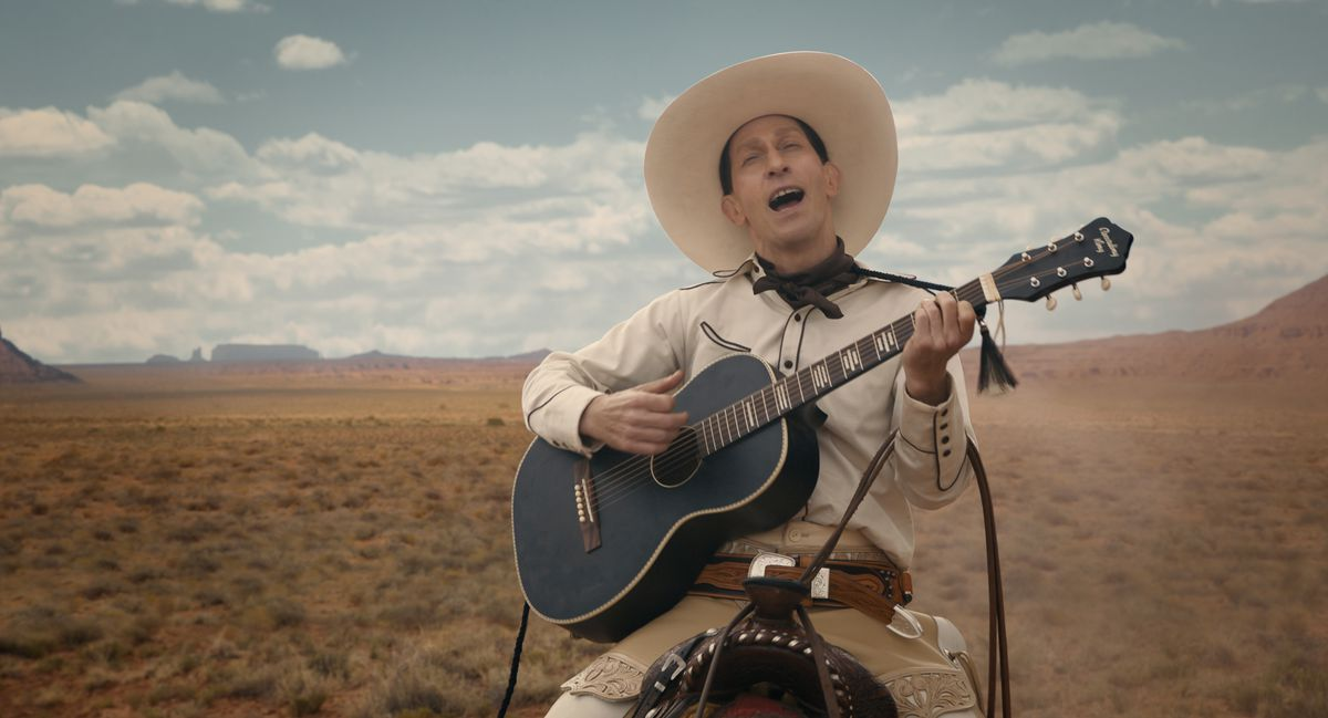 Tim Blake Nelson es Buster Scruggs en The Ballad of Buster Scruggs, una película de Joel y Ethan Coen.