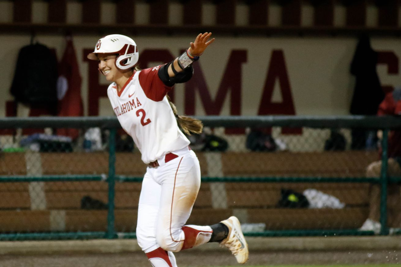 Sydney homers against ULL in the Norman Super Regional