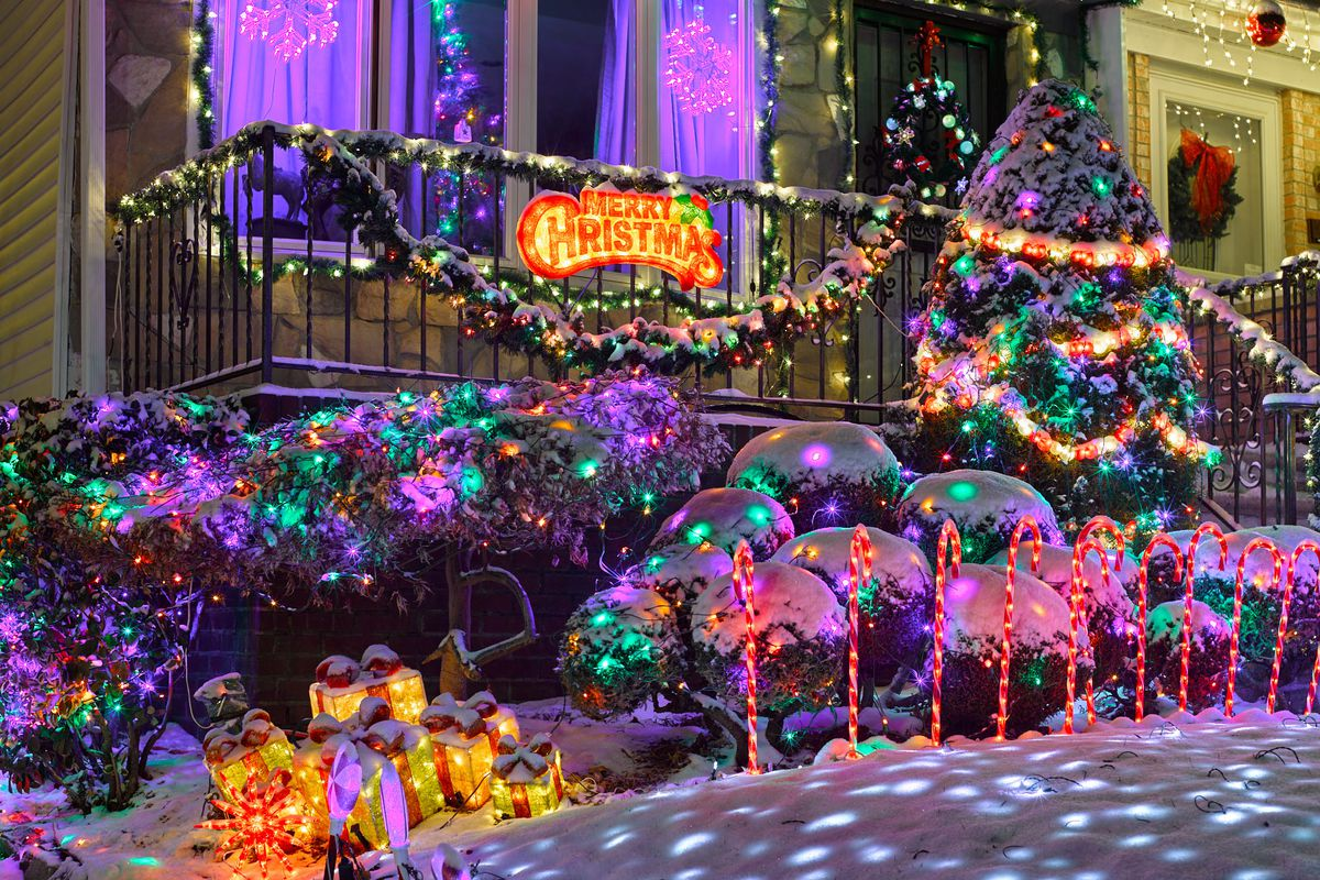 Dyker Heights Christmas Lights Photos Of Nyc's Dazzling Holiday Display  Curbed Ny
