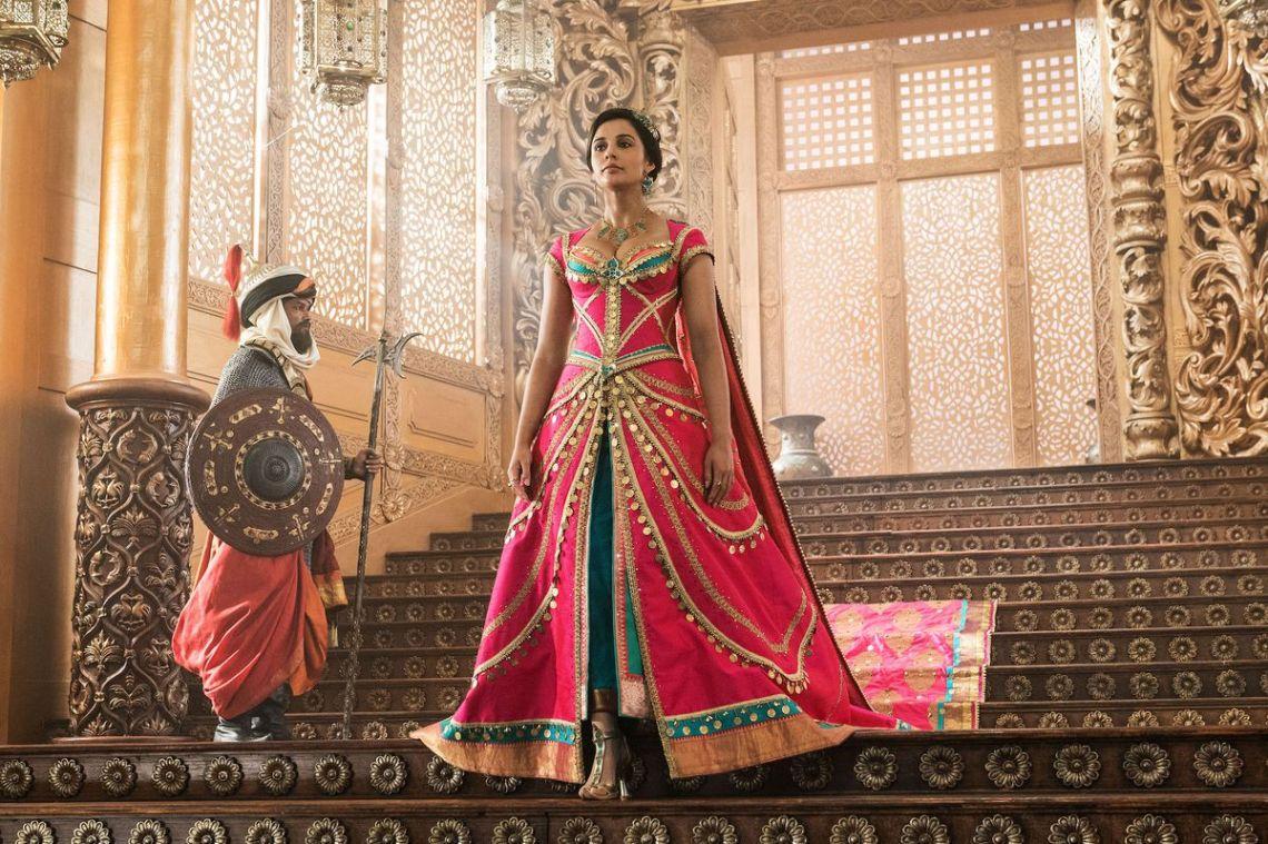 aladdin Naomi Scott as princess jasmine