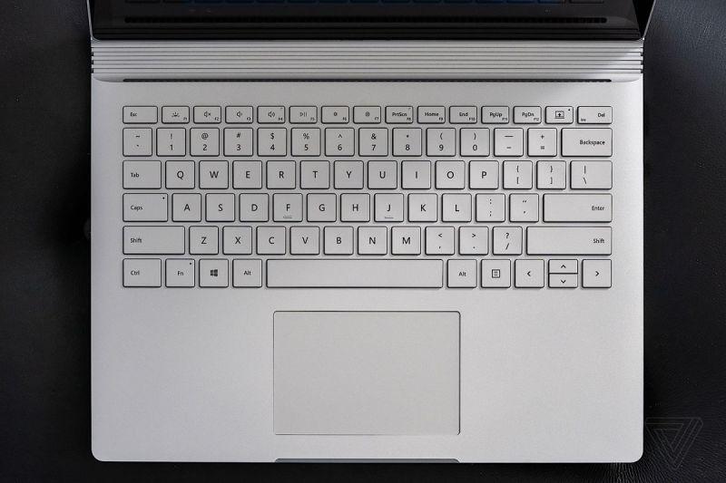 Tastiera di Surface Book 3