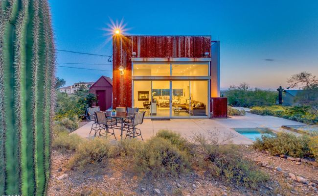 Tiny Desert Cube House Has Everything You Need For 275k