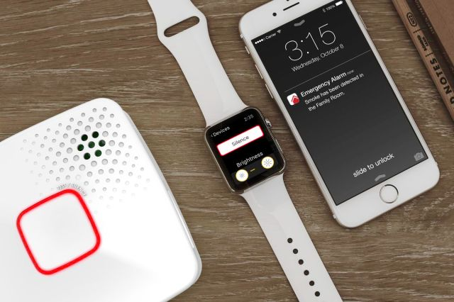4   Smoke   CO Alarm with Safety App.0.0 Nest Protect is the best bet if you are looking for a Smart Smoke Detector that even gels with your other smart home devices