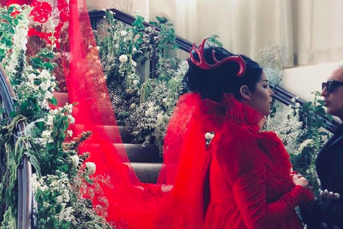 Kat von Ds Wedding Look Gave Winona Ryder in Beetlejuice Vibes  Racked