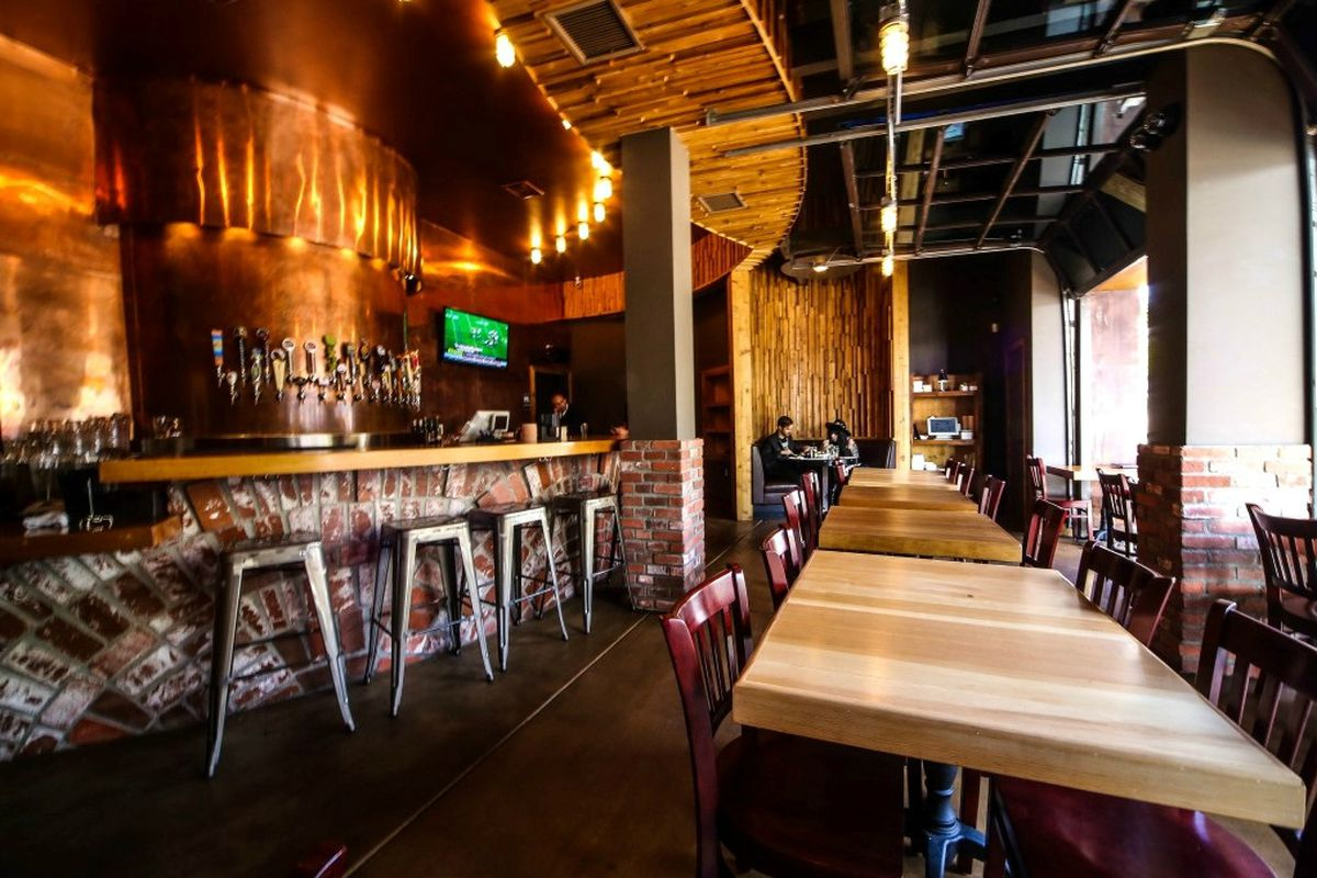 LAs Stout Burgers And Beers Is Coming To Brentwood