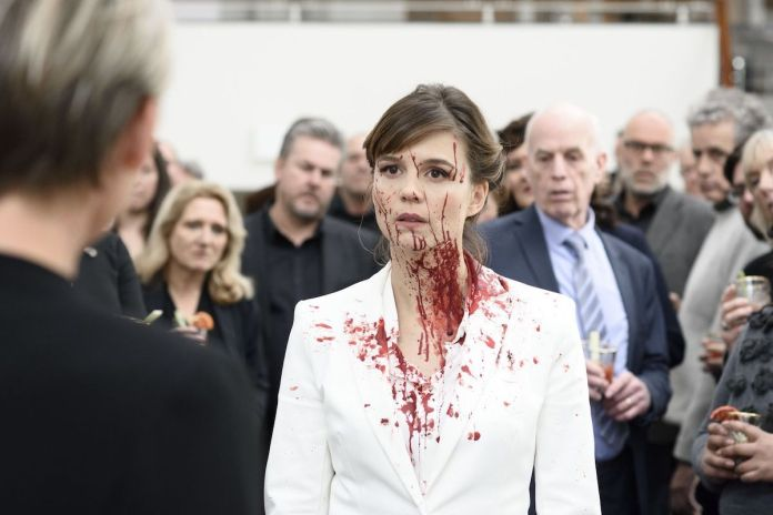 Katja Herbers as Femke Boot covered in blood in The Columnist