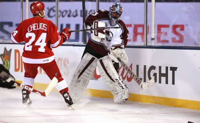Quick Hits Coach Chris Chelios Winging It In Motown