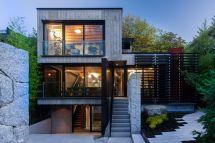 Mod Canadian House Puts Rugged Concrete Center
