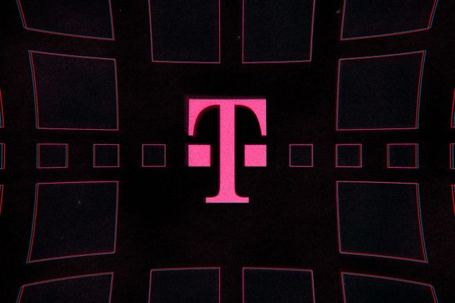 acastro_191108_1777_t-mobile_0001.0.0 Predictably, T-Mobile's merger promises weren't enough to make a carrier out of Dish | The Verge