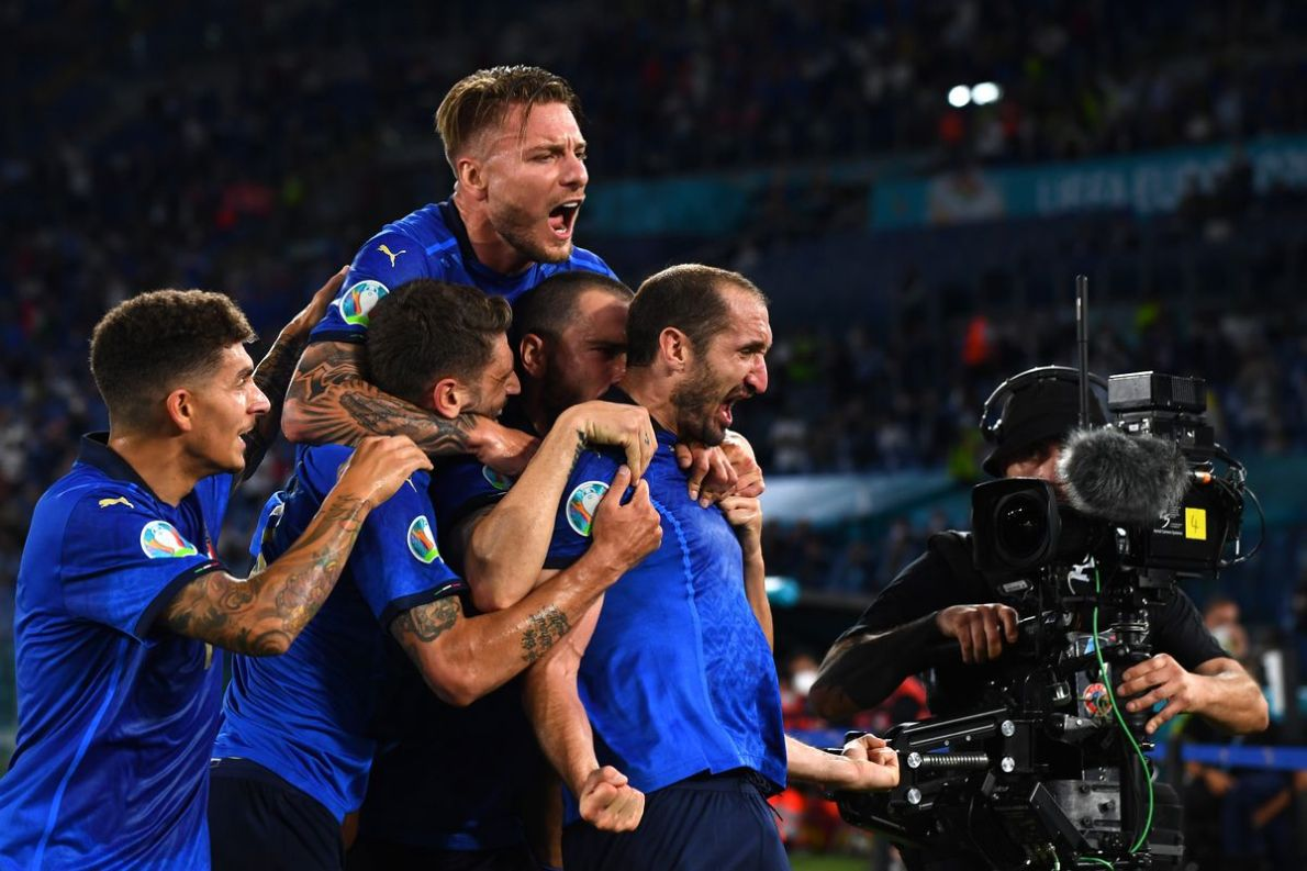 Are expectations too high for Italy entering the Euro 2020 knockout stage?  - Black & White & Read All Over