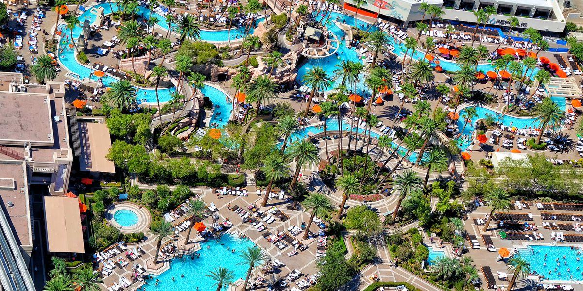 Casino november 10, 2005 in las vegas, nevada. Pool Season Returns To Mgm Resorts Properties On The Las Vegas Strip Eater Vegas