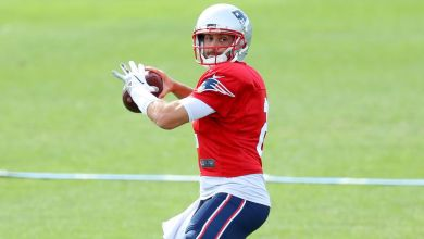 5 reasons why the Patriots decided to re-sign quarterback Brian Hoyer