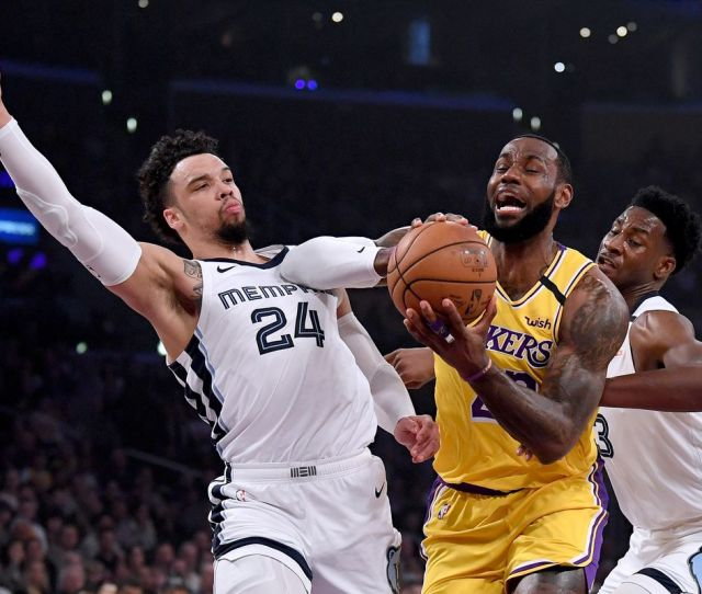 Lakers Vs Grizzlies Final Score Lebron Helps Clinch Season