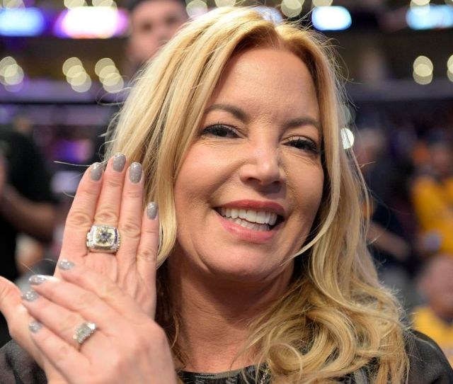 Jeanie Buss Expects Brother Jim To Step Down If Lakers Dont Contend Within 2 Years