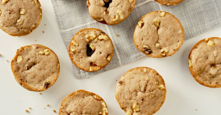 Recipe: Red Bean and Walnut Snack Cakes
