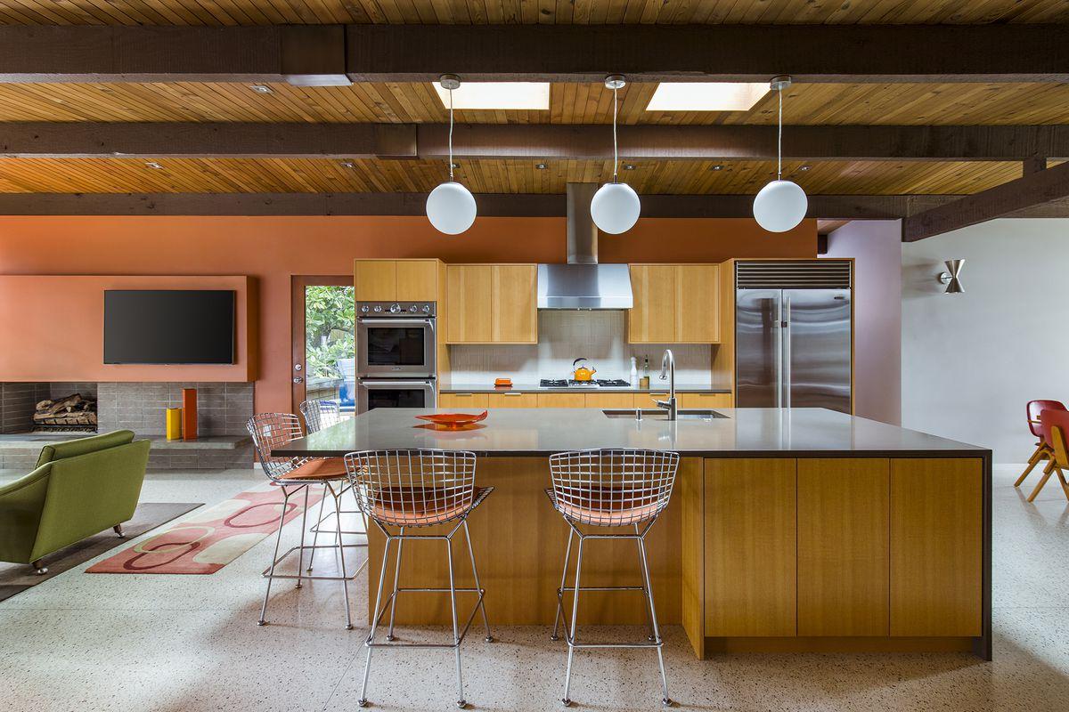 Diy Renovation Vs Hiring Pros How To Decide Curbed