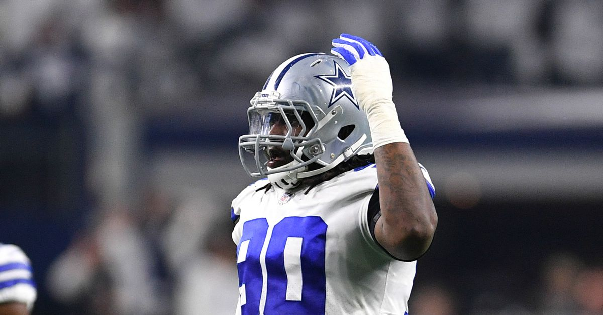 Cowboys news Dallas and DeMarcus Lawrence far apart on