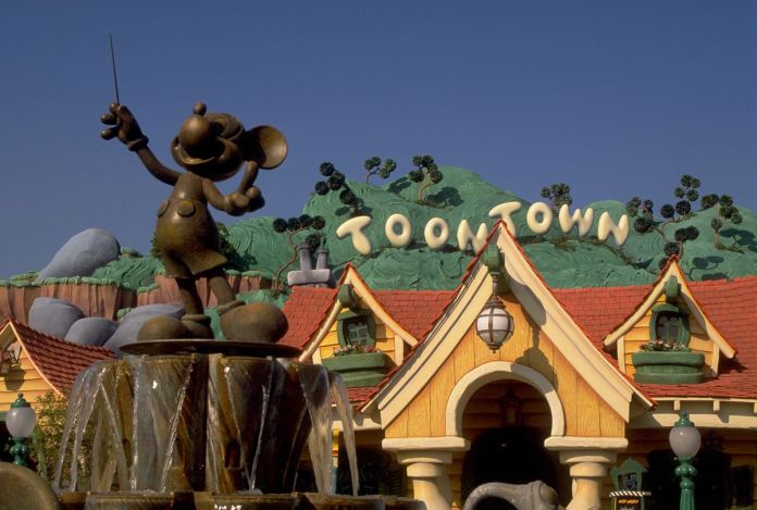 Statue of Mickey Mouse at the entrance of Toontown, Disneyland, CA