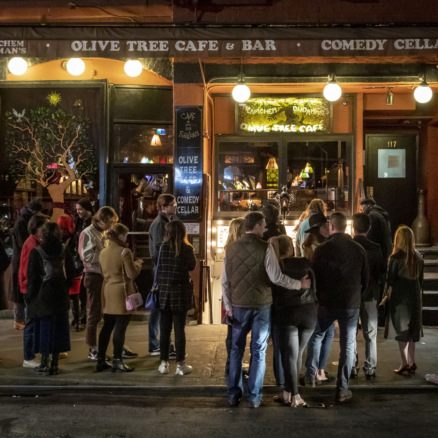 Restaurants and Bars Across the U.S. Face Mandated Closures Due to ...