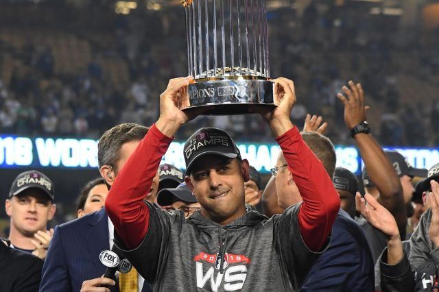 Alex Cora with the Red Sox in 2018.