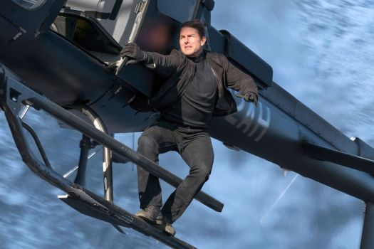 mission impossible fallout - tom cruise on a helicopter
