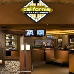 Las Vegas Hotels With Kitchen Tuscan Style California Pizza Mirage Hotel Nevada