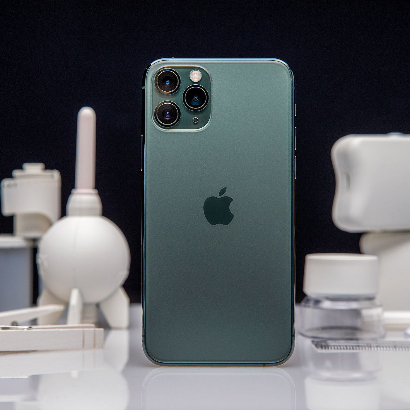 Apple Iphone 11 Pro And Pro Max Review Great Battery Life Screen