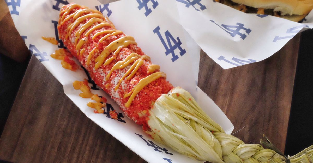 Dodger Stadium Brings Back The Flamin Hot Cheetos Elote This Year Eater LA