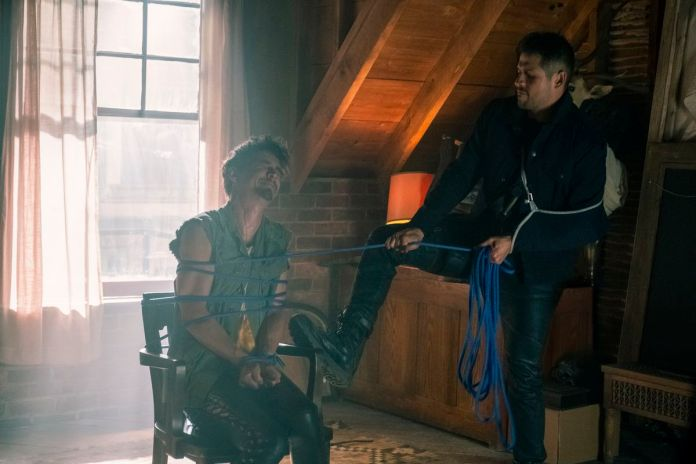 klaus being tied up by diego