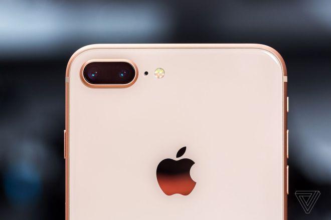 jbareham_170916_2000_0057.0 Latest leaks indicate new iPhones may have always-on displays like Apple's Watch   The Verge