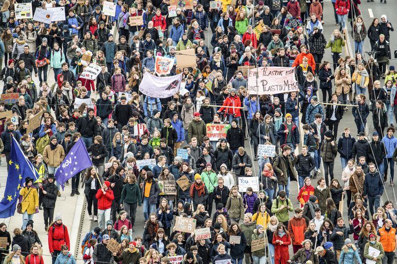 """Participants of a """"Fridays for Future"""" demonstration in Saxony, Dresden."""