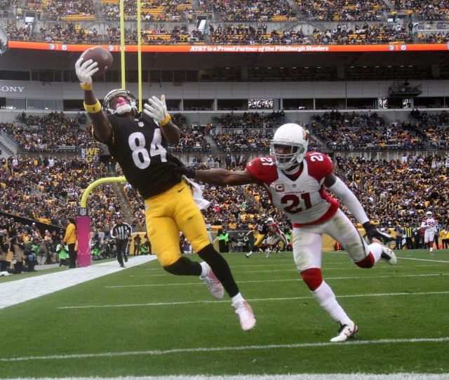 Steelers Wr Antonio Brown Sets New Guinness World Record For One