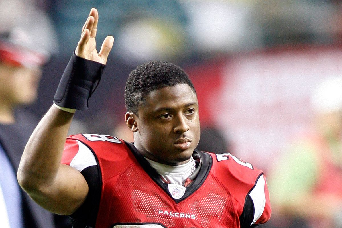 FSU Legend Warrick Dunn To Be Inducted Into Falcons Ring