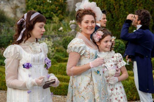 viscountess bridgerton embracing her family
