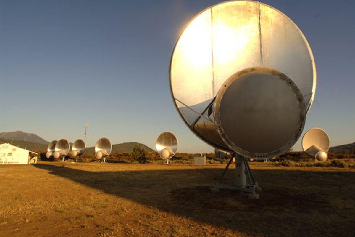 SETI restarts the Allen Telescope Array resumes looking for alien life  The Verge