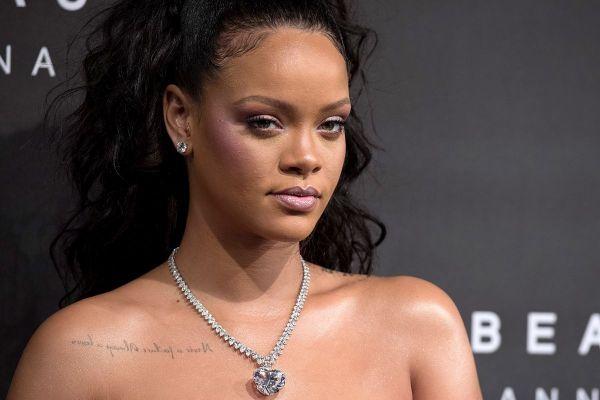 Rihanna slams Snapchat for ad